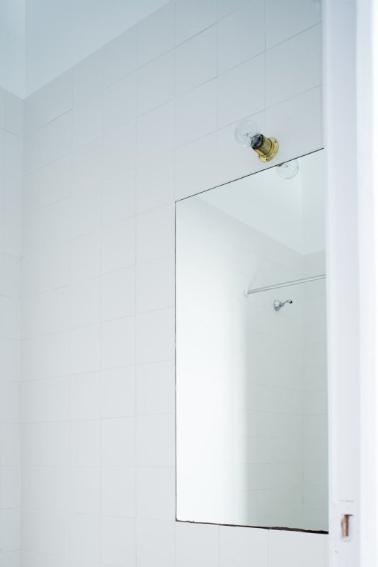 Simple bathroom vanity. Low Cost Bathroom by João Carmo Simões Architecture