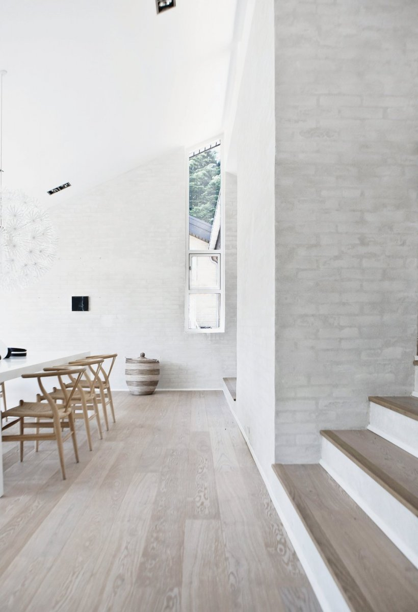 Light and airy dining room. Fredensborg House by Norm.Architects