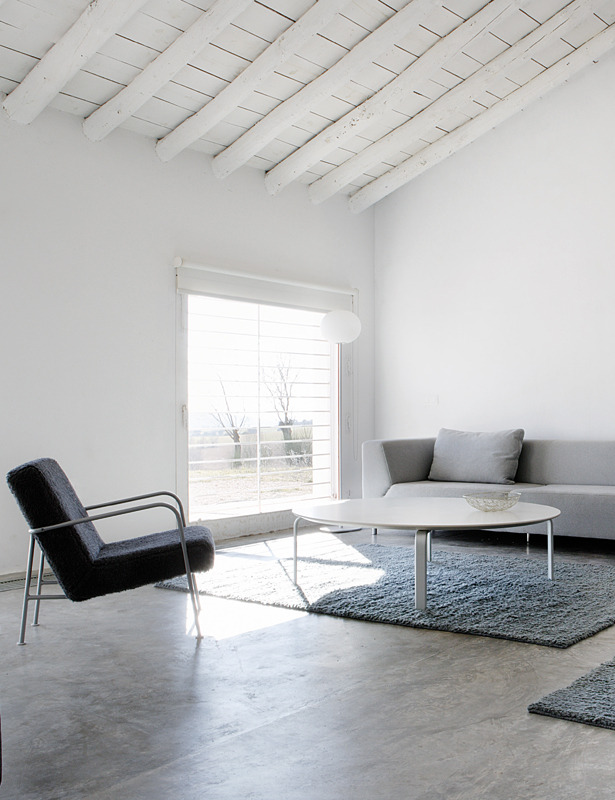 Modern living room. House in La Mancha by Benjamín Cano