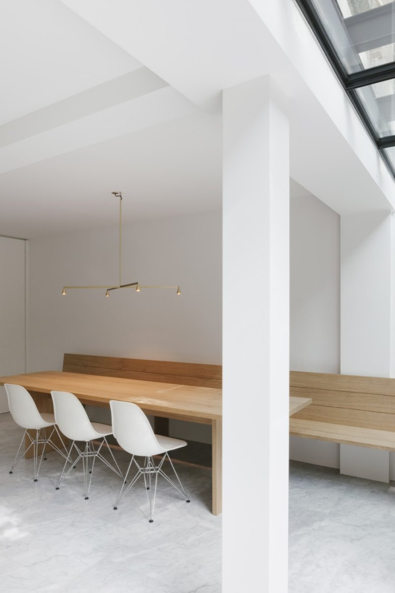 Contemporary dining area. House F Antwerp by Hans Verstuyft Architecten